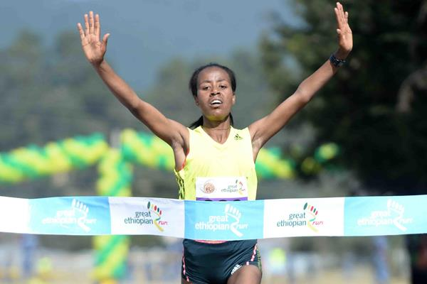 Demadonna's Kebede Netsanet Gudeta of Ethiopia takes first at the Tout Rennes Court – Road Race